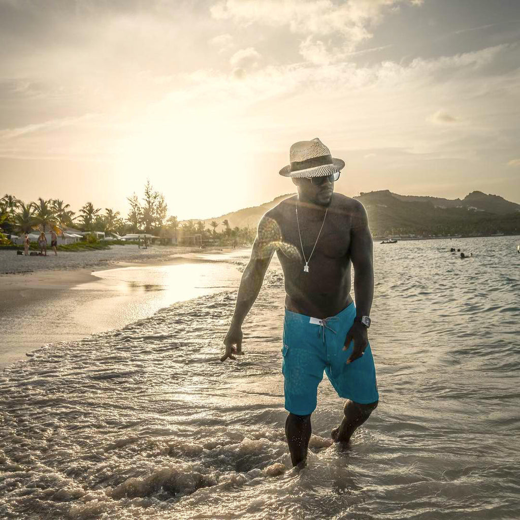 SPOTTED: Kevin Hart Sports Katin Kylon Trunks on Honeymoon