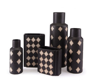 Pampa Bottle Lg Black & Beige