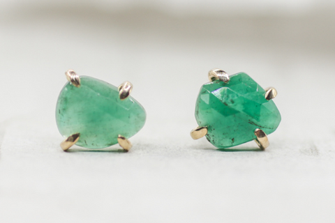 gold and emerald stud earrings