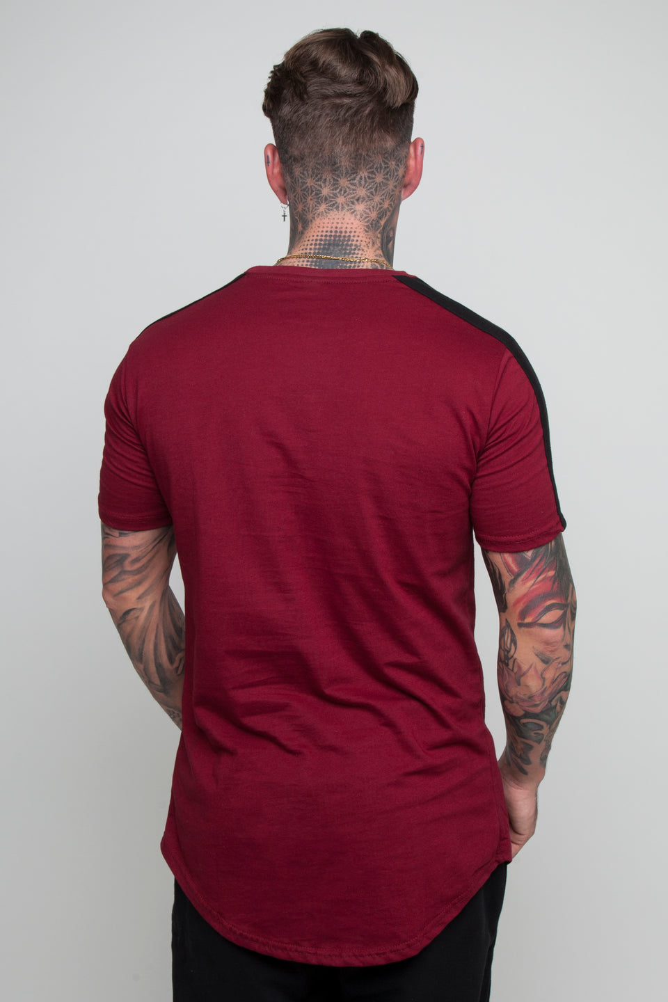 Vypex® Force Tapered Men's Fitted T-Shirt In burgundy red and black