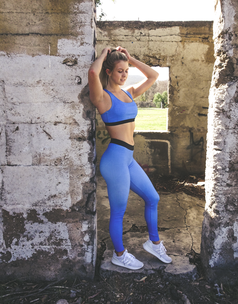 divine sports bra and gym leggings set in blue | Vypex Apparel