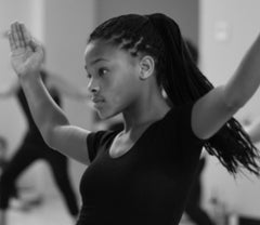 afro-caribbean Dance Student, afro-ballet, ballerina with breads