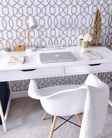 Tasia Casandra - Girl Boss Workspace