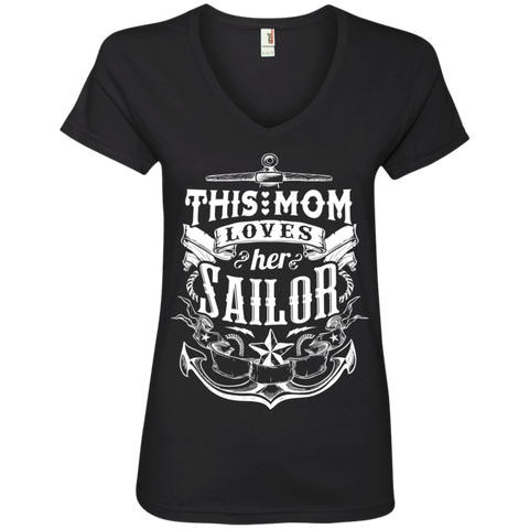 This Mom Loves Her Sailor  Ladies ' V-Neck Tee