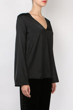 Load image into Gallery viewer, Giada Forte Satin V Neck Top Nero