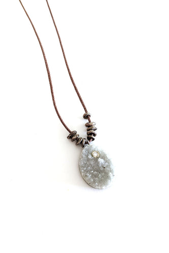 N-24 Pale Necklace