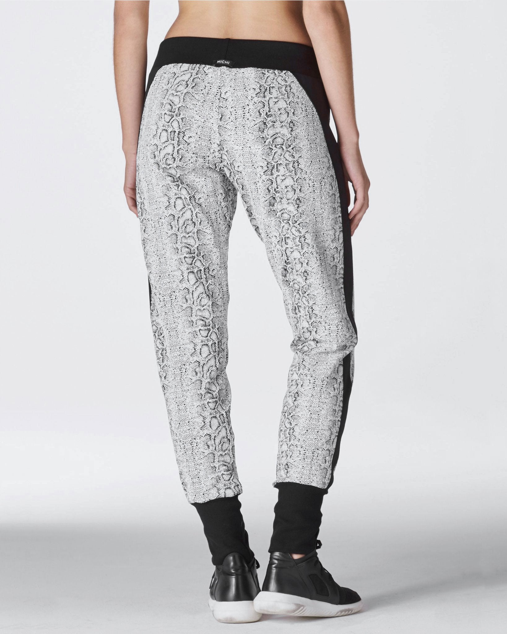 Serpente Sweatpant - Black White Python