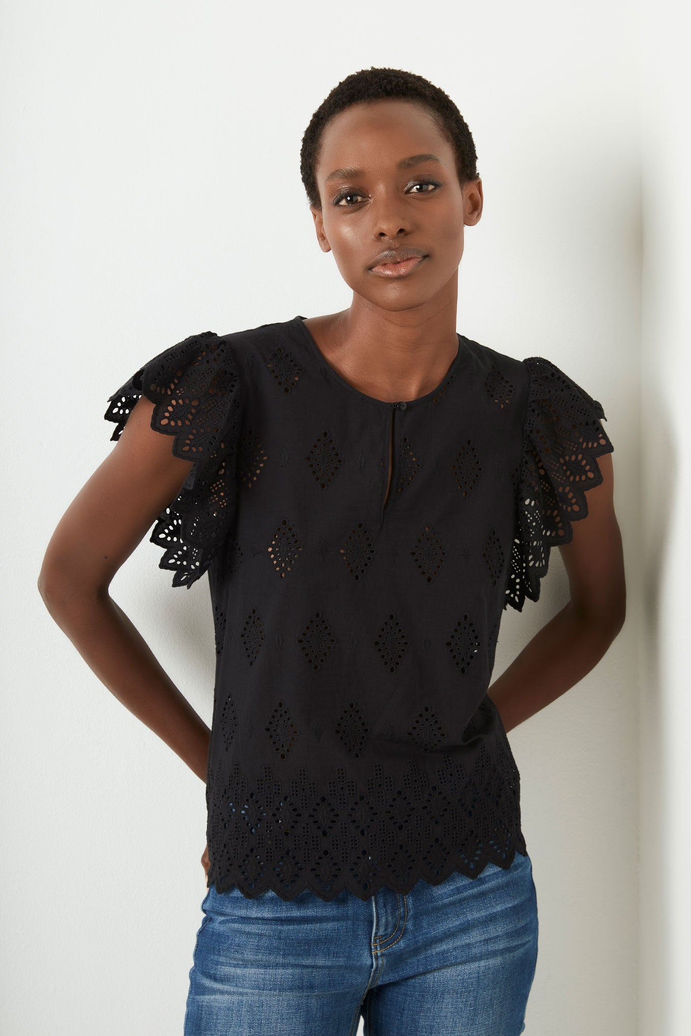 BELLE BRODERIE BLOUSE - BLACK