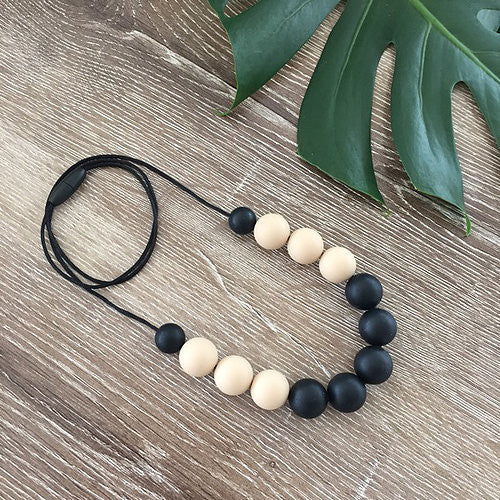 Nature Bubz Breathe Silicone Necklace Black