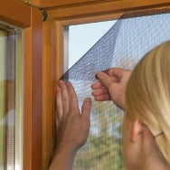 FlyStop - Velcro Mesh Window Fly Screen - 100x130cm (Plus)