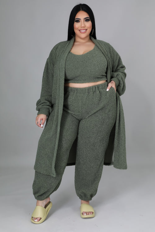 New Arrivals - Day Off Set (Curvy)