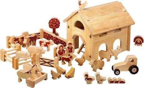 Traditional Wooden Farm & Animals