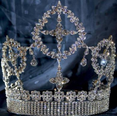 Eternal Beauty Rhinestone Crown Tiara - CrownDesigners