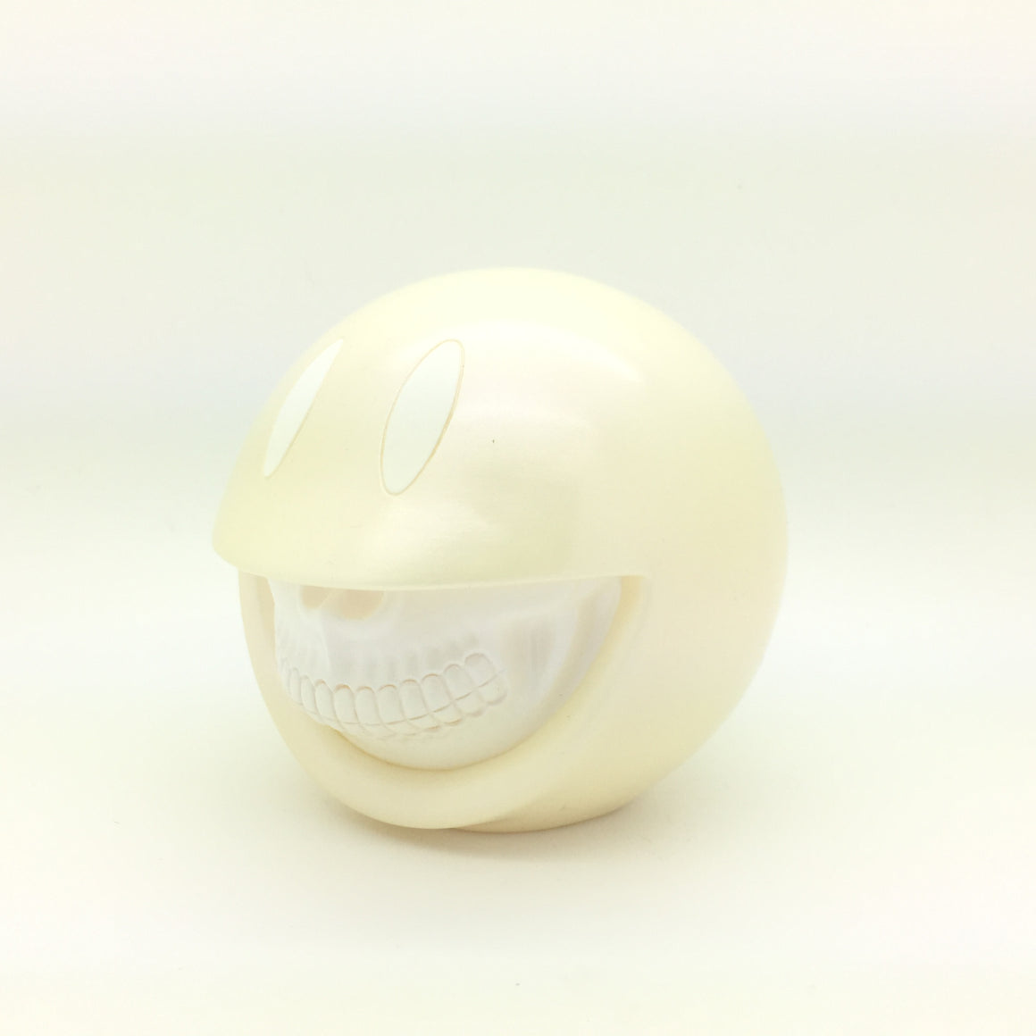 Smiley Grin Pearl - White Grin Edition by Ron English x Made By Monsters x JPS gallery