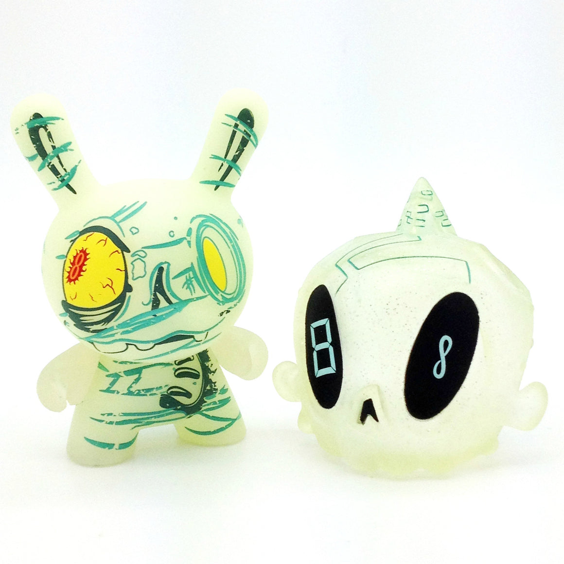 The 13 Dunny Series - The Ancient One #8 - Mindzai  - 1