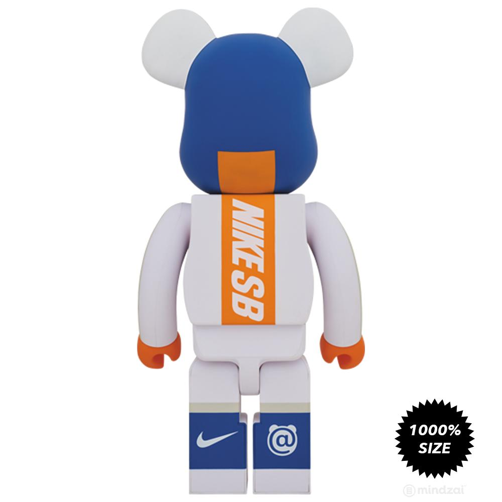 Nike SB White 1000% Bearbrick Set by Medicom Toy x Nike SB