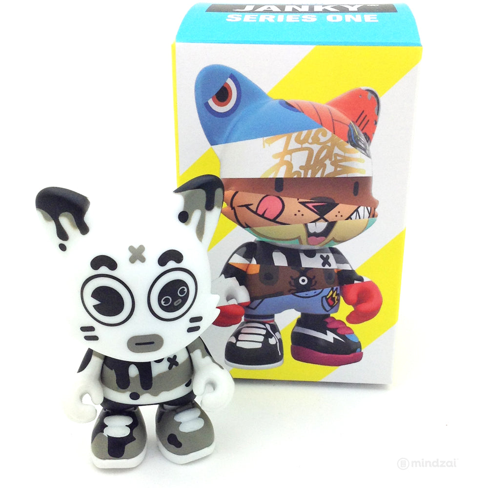 Janky Series 1 Blind Box by Superplastic - Bo_Ni_To (Grand Chamaco)