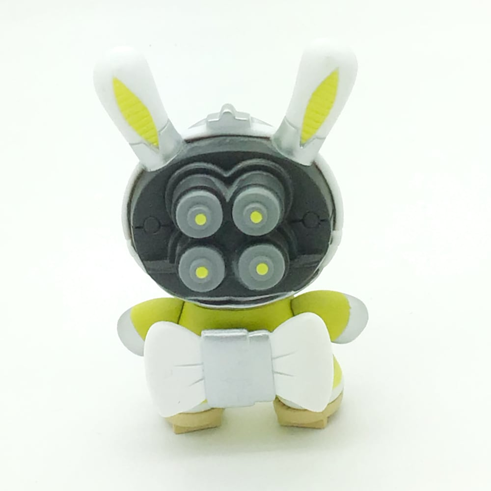 Post Apocalypse Dunny Series - Cyborg Geisha White and Yellow (Huck Gee)