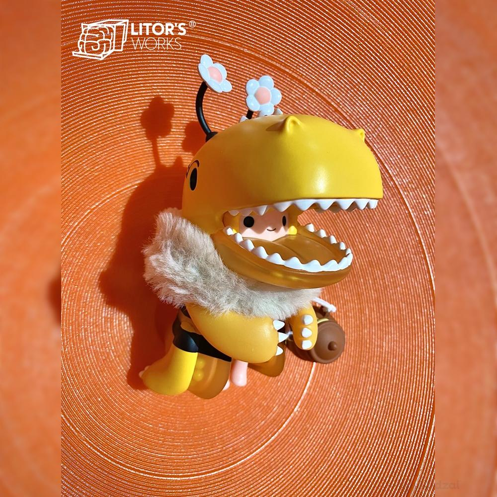 Umasou! Honey Bee Art Toy Figure by Litor's Work