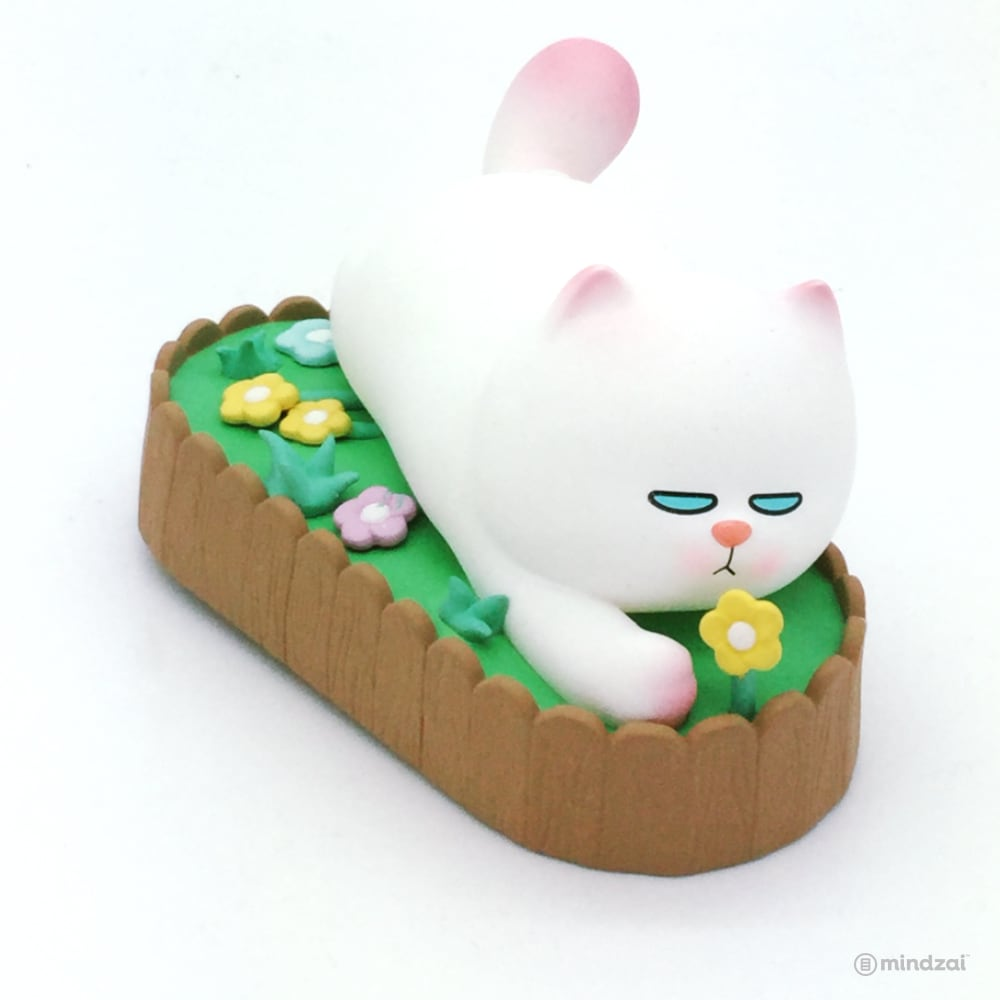 Vivicat Lazily Lying Prone Blind Box Series by POP MART - Lazy on Flower