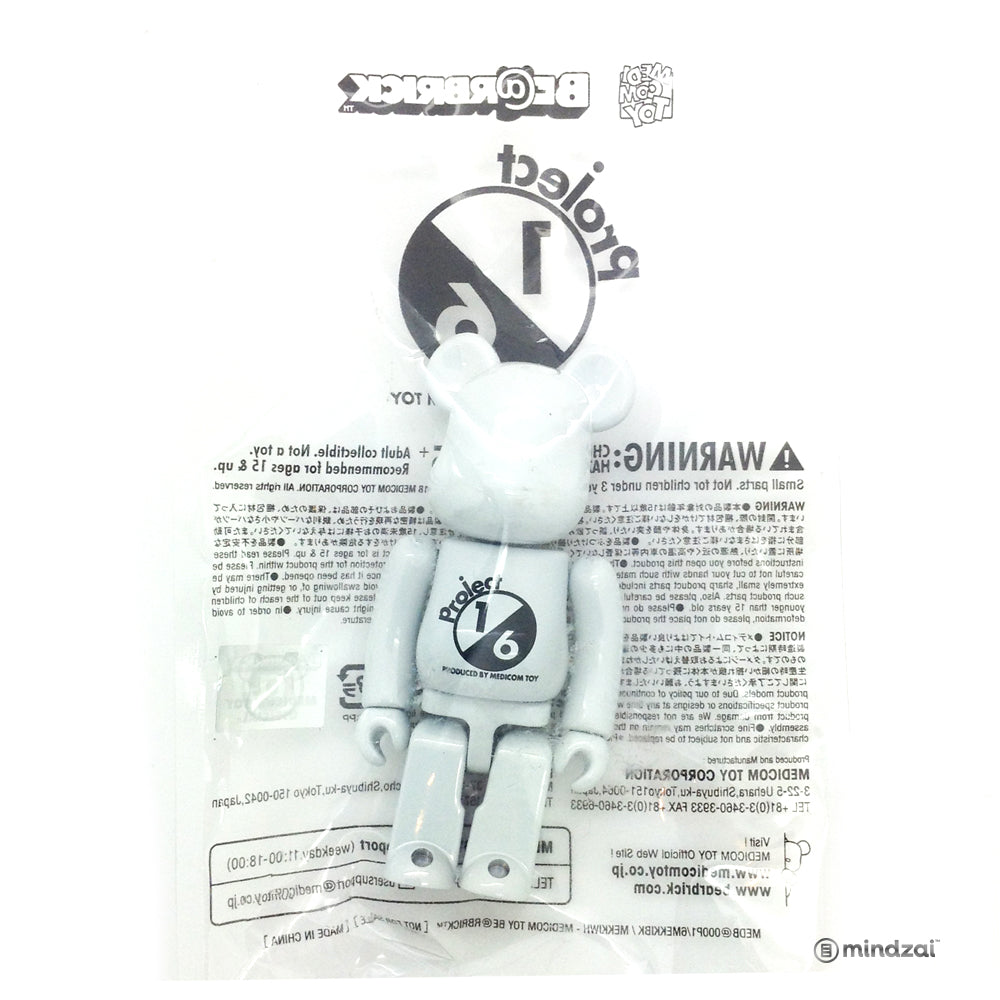 Medicom Toy: Project 1/6 Campaign Novelty 100% Bearbrick (White)