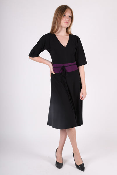 Larkin V Dress | Black/Aubergine