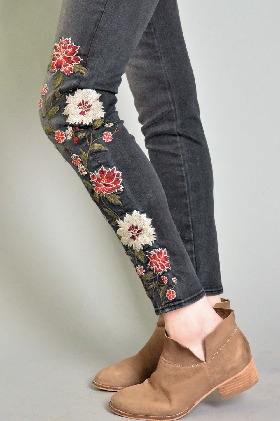 "Jackie floral embroidered skinny jeans in black wash ""Oakland' by Driftwood"
