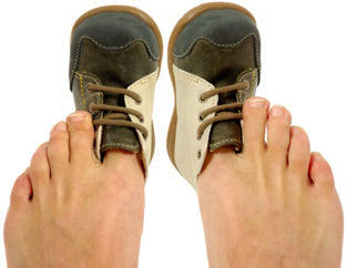 Wide Toe Box Shoes vs. Wide Shoes: What