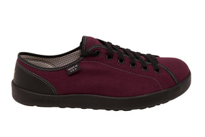 Ambition, vibran fushia canvas with black laces
