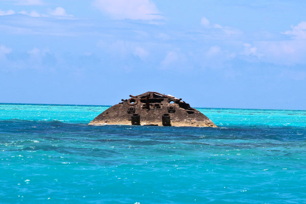 shipwreck off Bermuda shore