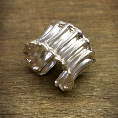 Silver concave corrugated open ring