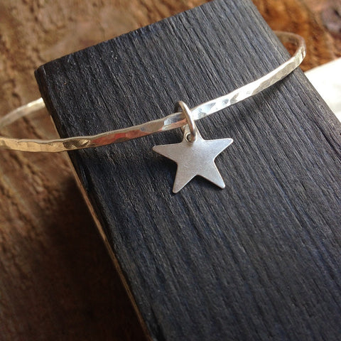 Single bangle with Star charm