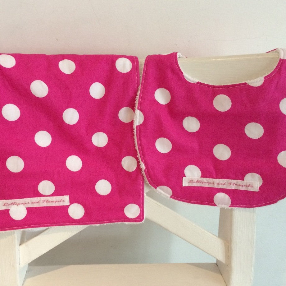 Bib & Burp cloth set - Pink & white spots print