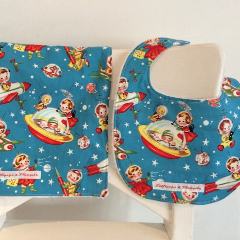 Bib & Burp cloth set - Rocket rasals print