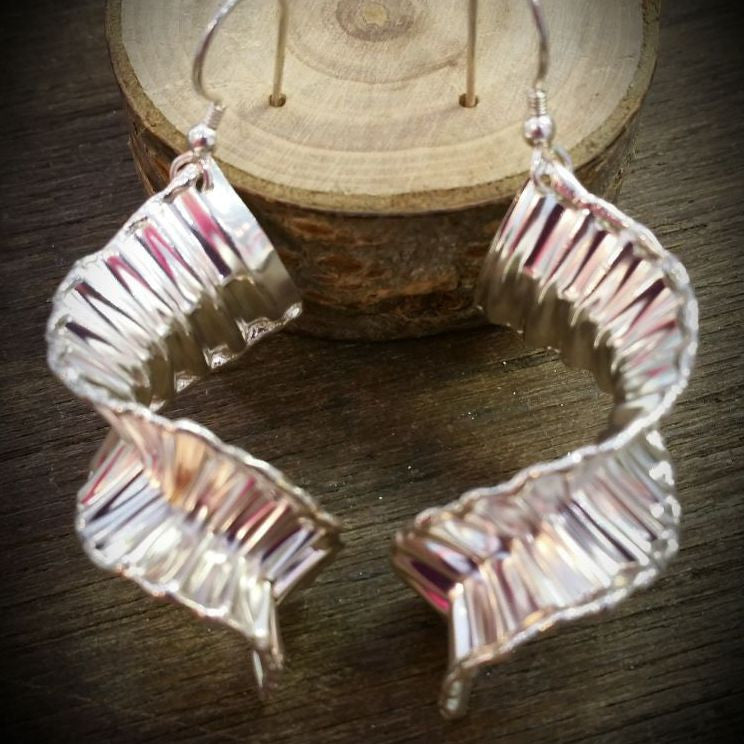 Silver Wave corrugated twisted drop earrings