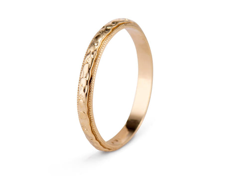 Victorian Forget-Me-Not Gold Wedding Band
