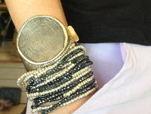 Load image into Gallery viewer, Coin Cuff Ancienne