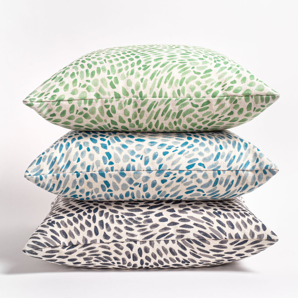 Mazzy, a colourful print pillow collection