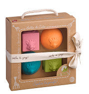 Sophie the Giraffe - So Pure - Set of Balls and Cubes - How I Wonder.co.uk - 1