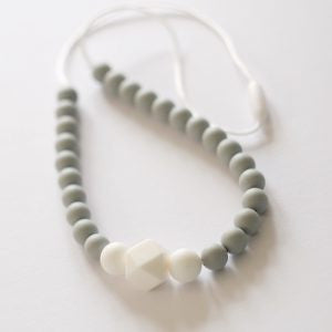 Blossom & Bear - Colour Pop Teething Necklace - Grey & White