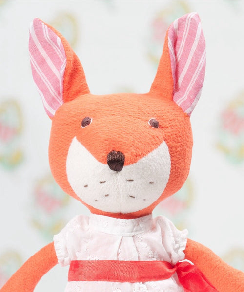 Flora Fox - Hazel Village - how-i-wonder