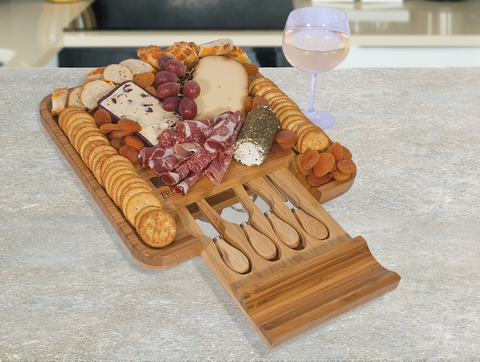 cheeseboard and cutlery set