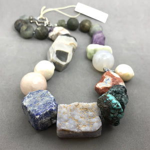 Necklace with agate, turquoise, amethyst, labradorite