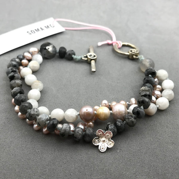 Bracelet with black quartz, moonstone & pearl