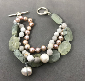 Bracelet with agate & freshwater pearls