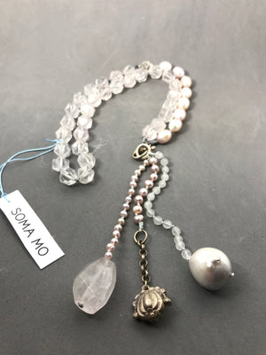 Necklace with rose quartz & pearl