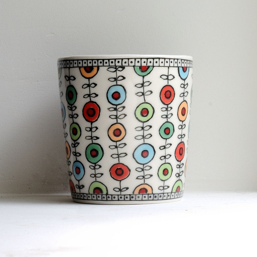 "3"" Tumbler with coloured flower chains."