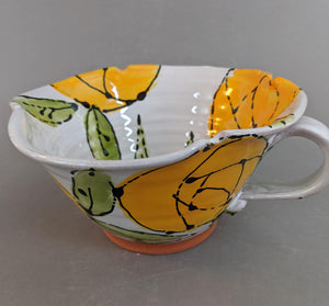 Alice in Wonderland Cup with Yellow Roses
