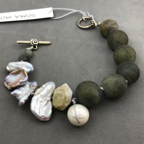 Bracelet with labradorite, pearl & blue lace agate