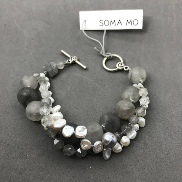 Bracelet with Grey Quartz & Freshwater Pearl